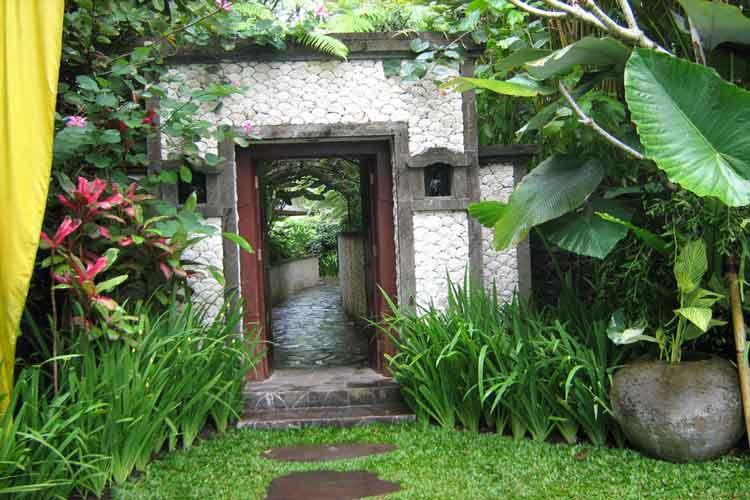 Service rimba bali for Bali garden designs